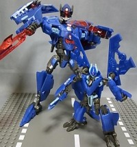 Transformers News: 2010 G2 Dreadwing and Smokescreen on BBTS!