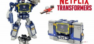 New Video Review of Netflix Transformers War for Cybertron Trilogy Soundwave