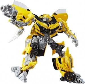 New Stock Images of Wave 3 Deluxe Bumblebee and Crosshairs from Transformers: The Last Knight