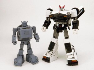 Transformers News: MP-21 Bumblebee Size Comparison with MP-17 Prowl
