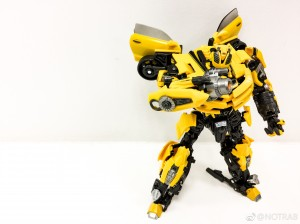 Transformers Movie Masterpiece Bumblebee In-Hand Images