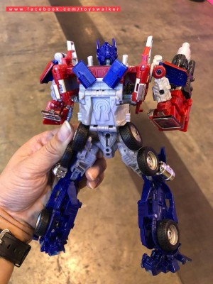 Transformers News: More Images of Bumblebee Movie Evasion Mode Optimus Prime Toy Show it to be a New Mold