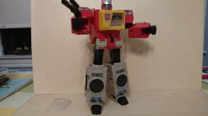 Transformers News: Video Review of Transformers Titans Return Blaster
