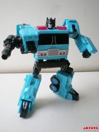 Transformers News: In-hand Images: Transformers Generations Protectobot Hot Spot