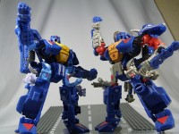 Transformers News: New Images of United Primes, Bumblebees, Straxus and  More!