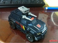 Transformers News: In-Hand Images: Transformers Generations Deluxe Class Trailcutter
