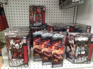 Siege Deluxe Revision Wave and Studio Series Battle Damaged ROTF Megatron Found in Canadian Toysrus