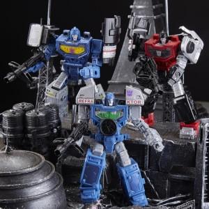 Transformers News: Seibertron Store: Refraktor Camera Pack, SIEGE Jetfire, new Comic Books, BotBots and more!
