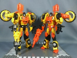 Transformers News: In-Hand Images: Takara Tomy Generations Sandstorm