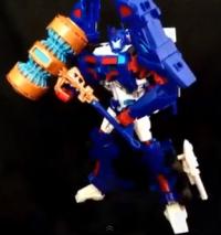 Transformers News: Video Review: Platinum Edition Ultra Magnus