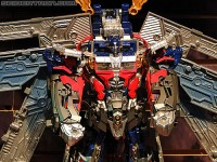 """Transformers News: Toy Fair 2011 Coverage - Transformers Dark Of The Moon """"Mech Tech"""" Toy Line"""