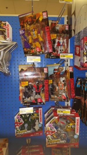 Transformers News: Combiner Wars Deluxe Class Wave 1 Sighted At US Retail