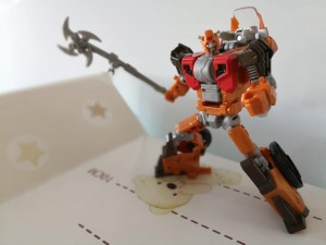 In-Hand Images of Transformers Power of the Primes Exclusive Wreck-Gar