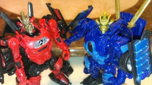 Pictorial Toy Review Comparing Transformers: The Last Knight Drift with Age of Extinction Drift