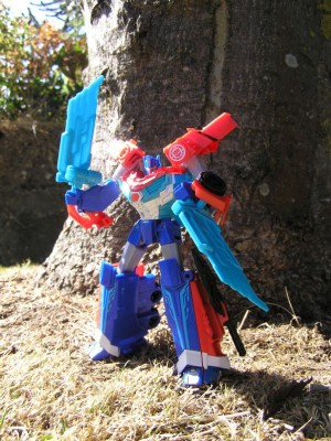 Transformers News: Undocumented Features Found for Transformers Robots in Disguise Warrior Power Surge Optimus Prime