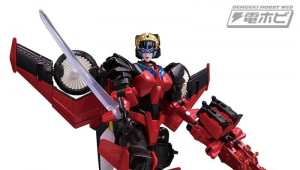 Transformers News: More images of Takara Legends G2 Megatron, Targetmaster Windblade and Decepticon Clones