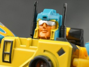 Transformers News: New Galleries: Club Nightbeat plus Superlink SC-02 Hot Shot and SC-23 Hot Shot Fire