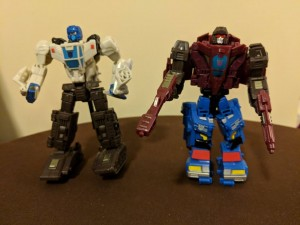 Transformers News: In-Hand Images of Transformers War for Cybertron: Siege Skytread