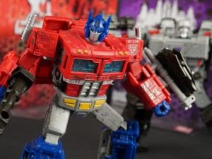 Transformers News: Video Review for Transformers WFC Siege Optimus Prime and Megatron