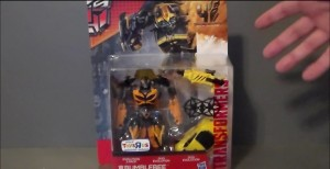 Transformers News: Age Of Extinction Evolution Of Bumblebee Video Review