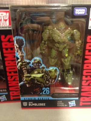Studio Series Wave 5 Deluxe Toys with Barricade and Sideswipe Spotted in Australia