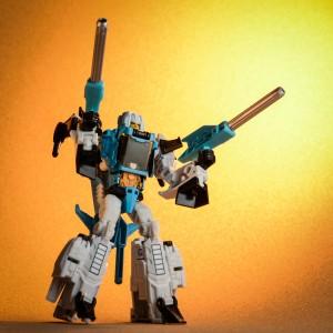 Transformers News: Pictorial Review of Takara Transformers Legends LG39 Brainstorm