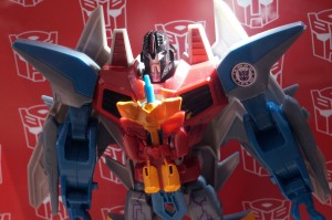 Transformers News: SDCC 2016: Transformers: Robots in Disguise Display Video; Starscream, more #SDCC #HasbroSDCC