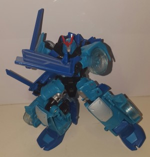 Transformers Robots in Disguise Blizzard Drift,Thunderhoof,Quillfire wave found in North America