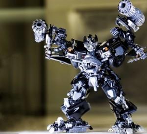 In Hand Images - Transformers Movie Masterpiece MPM-6 Ironhide