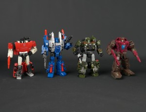 New Galleries: War for Cybertron SIEGE Deluxe Class Cog, Hound, Sideswipe and Skytread