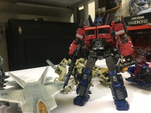 New In-Hand Images of Studio Series #38 Voyager Class Transformers Bumblebee Optimus Prime