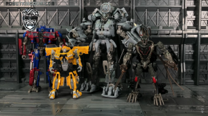 English Video Review of Transformers Studio Series 08 Blackout, with Comparisons
