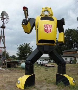 18ft G1 Bumblebee Roadside Attraction in Fresno, California