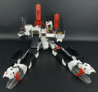 Transformers News: New pics demonstrating 2nd gun for SDCC Metroplex in city and battle station vehicle modes