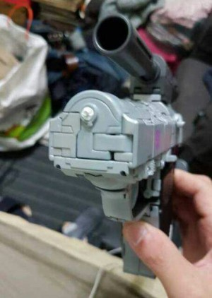 Warning of Breakage and Heavy Paint Chipping on MP 36 Masterpiece Megatron