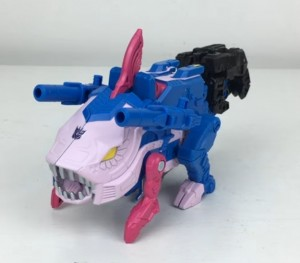 Transformers News: Transformers Generations Selects Gulf (Skalor) Review