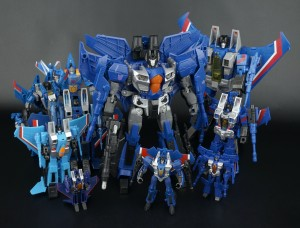 Gallery Update: Additional comparison images of Combiner Wars Leader Class Thundercracker