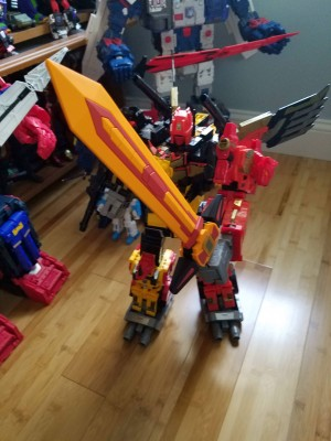 Transformers Power of the Primes Predaking China Sword Exclusive In Hand Images