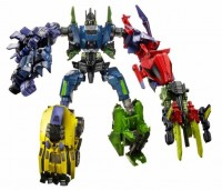 Transformers News: Official Fall of Cybertron Bruticus Image