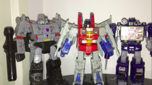 Transformers War for Cybertron: Siege Voyager Starscream Review
