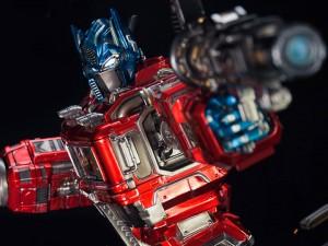 BBTS Sponsor News: One:12 Iron Man, Hot Toys Obi-wan, Godzilla, Power Rangers, Star Trek & More