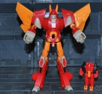 New Images of TFCC Shattered Glass Cyclonus with Krunix
