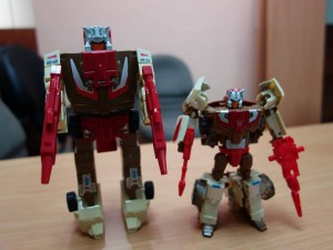 In Hand And G1 Comparison Images Of Transformers Titans Return Chromedome And Highbrow