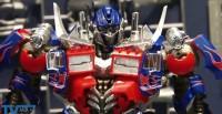 Video Preview of Transformers Dual Model Kit Optimus Prime & Bumblebee