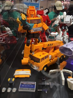Transformers News: Wonderfest 2017 - Transformers Masterpiece MP-35 Grapple #tfワンフェス17w