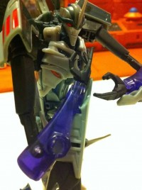 Transformers News: Transformers Prime Robots in Disguise Voyager Starscream & Bulkhead In-Hand Images