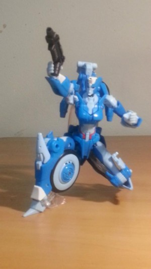 In-Hand Images - Transformers Generations Deluxe Chromia