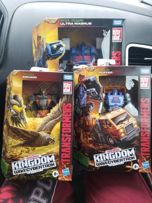 Kingdom Wave 2 Leader Ultra Magnus and Deluxes Found at Target in US