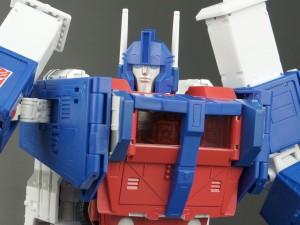 Transformers News: New Galleries: Masterpiece MP-22 Ultra Magnus with Spike and Daniel Witwicky