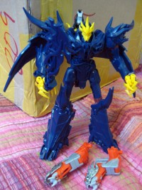 Transformers News: Transformers Prime Beast Hunters Voyager Predaking Test Shot Images